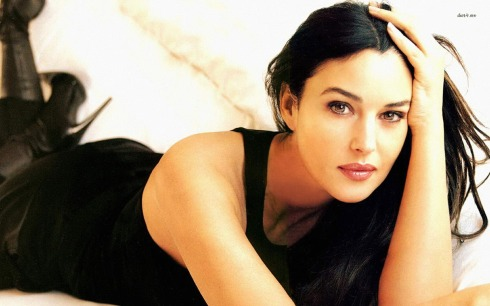 monica-bellucci-celebrity-wallpaper (2)